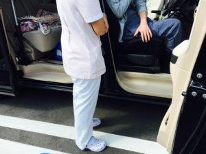 福祉車両改造でリハビリ 患者さんの自動車運転再開