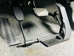 福祉車両改造 スズキワゴンR 左足アクセル 福祉車両改造 糖尿病 右足切断 左足でアクセルトブレーキ操作 ②