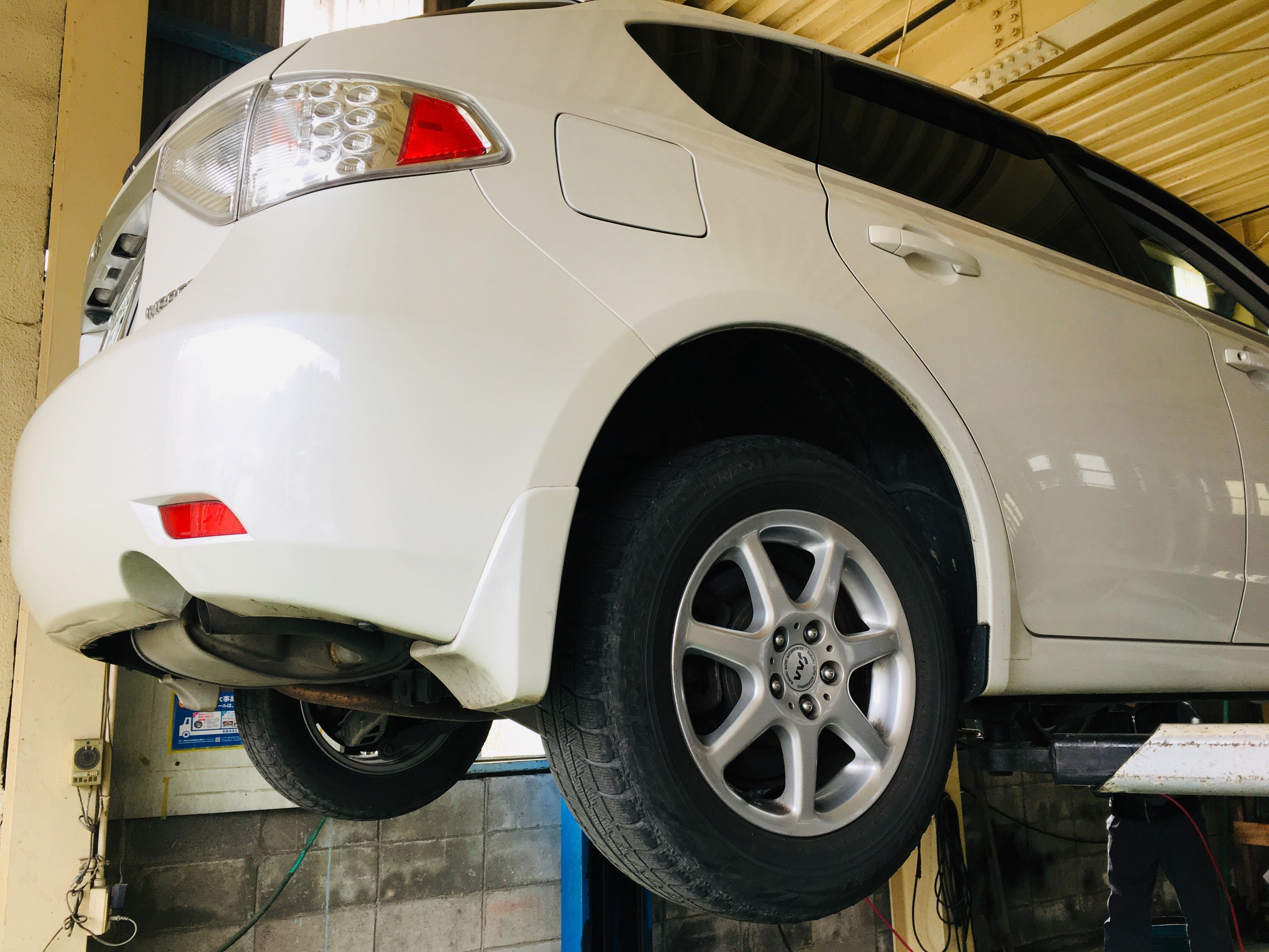 スバルインプレッサ タイヤ交換① 曲山安宏 アイウェル (有)曲山自動車整備工場