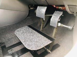 福祉車両改造 ペダル延長 教習車両