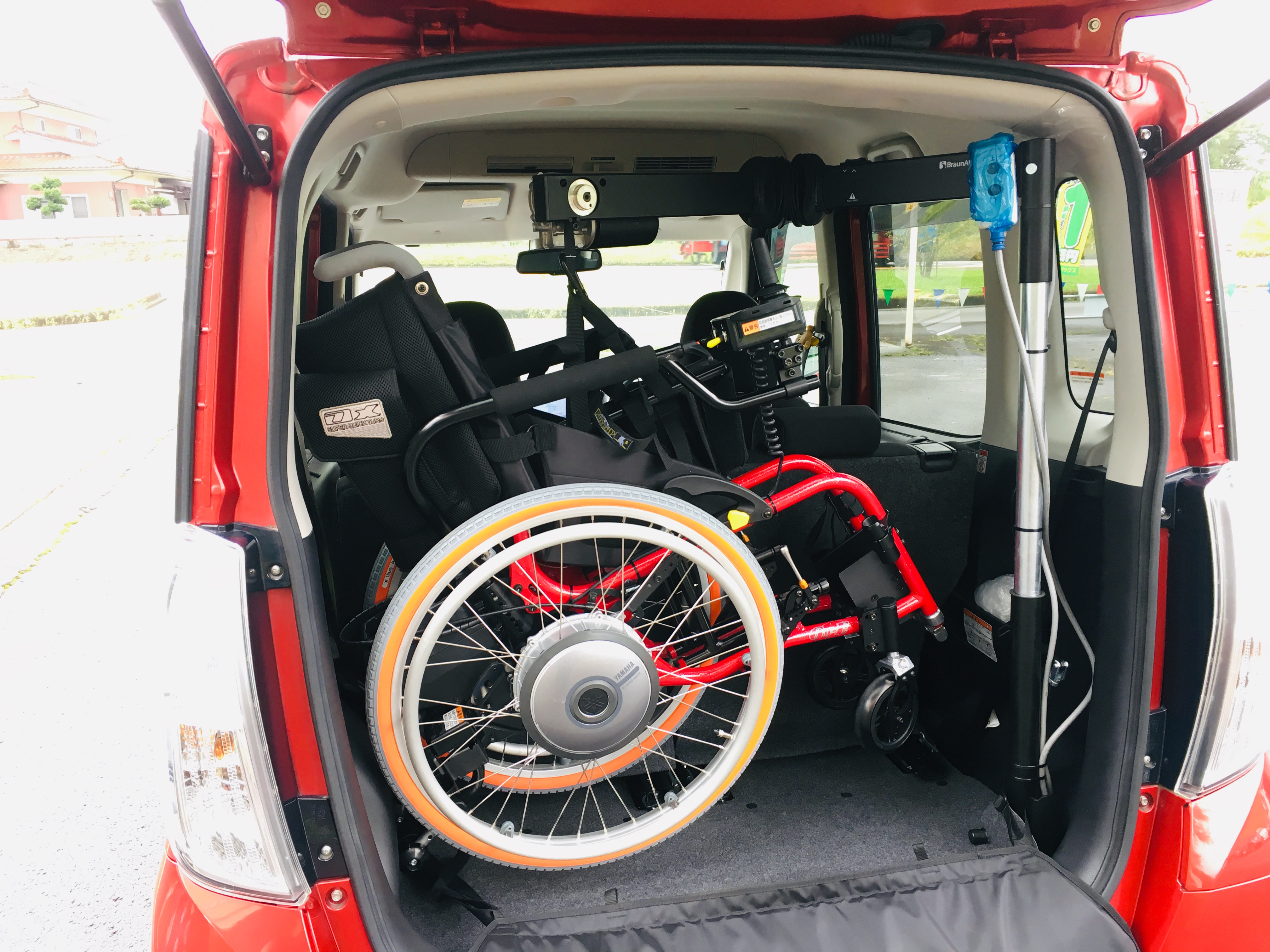 福祉車両改造 日産 デイズルークス 車いす収納 ➂ 20190830 電動車イスを自分で乗せ降ろし