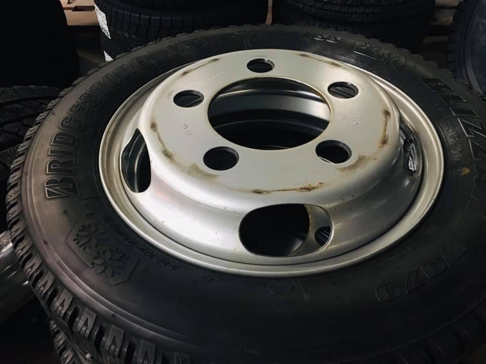 トラック用スチールタイヤ 再塗装 曲山自動車整備工場 福島県 ②