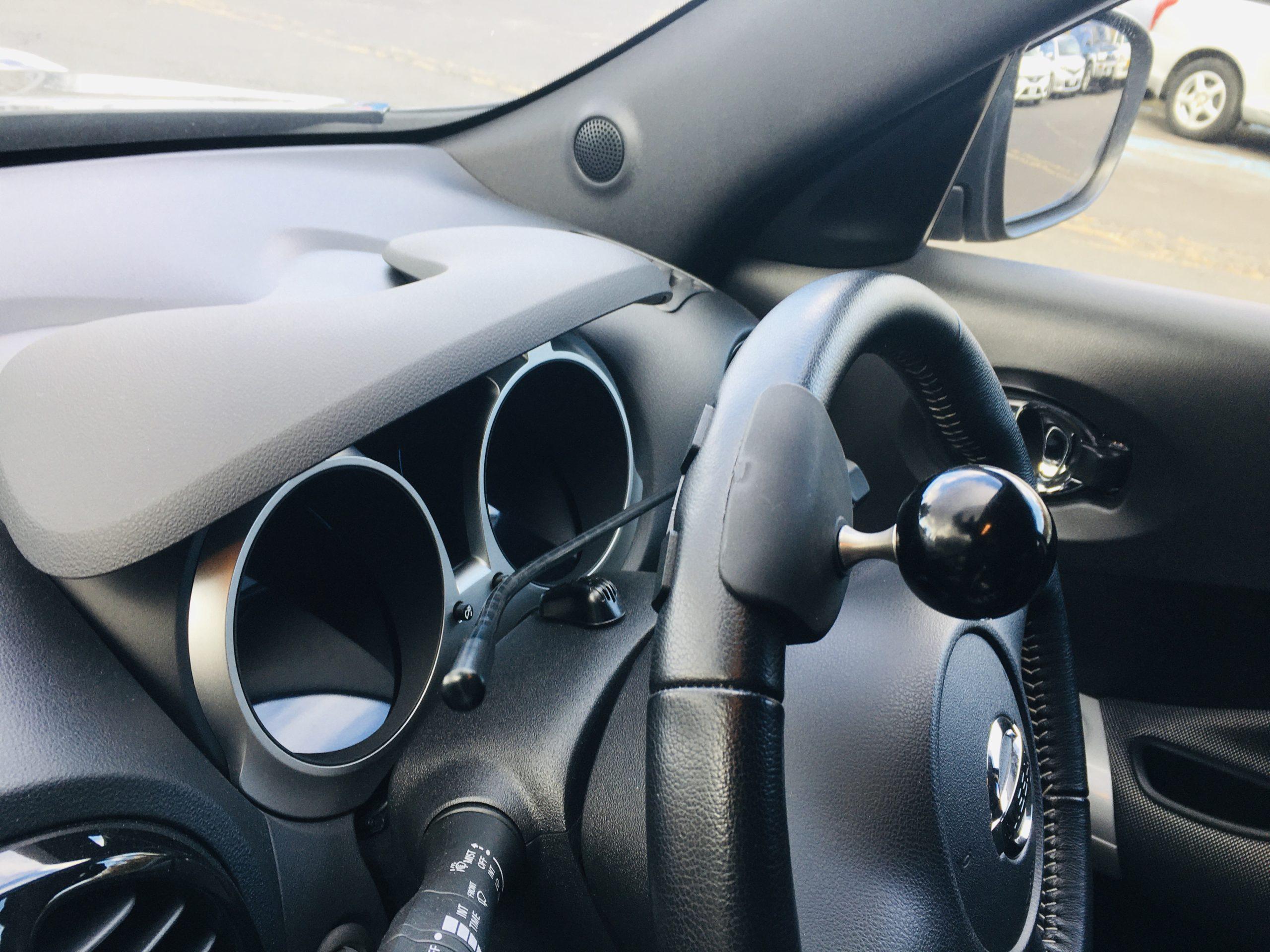 福祉車両改造 日産ジューク 左足アクセル 福祉車両への改造 ⑤