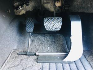 福祉車両改造 日産ジューク 左足アクセル 福祉車両への改造 ⑥