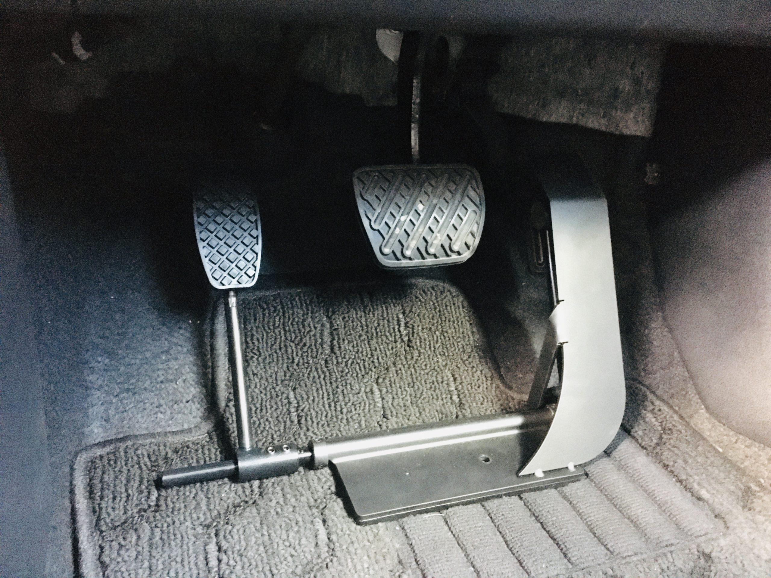 福祉車両改造 日産ジューク 左足アクセル 福祉車両への改造 ⑦