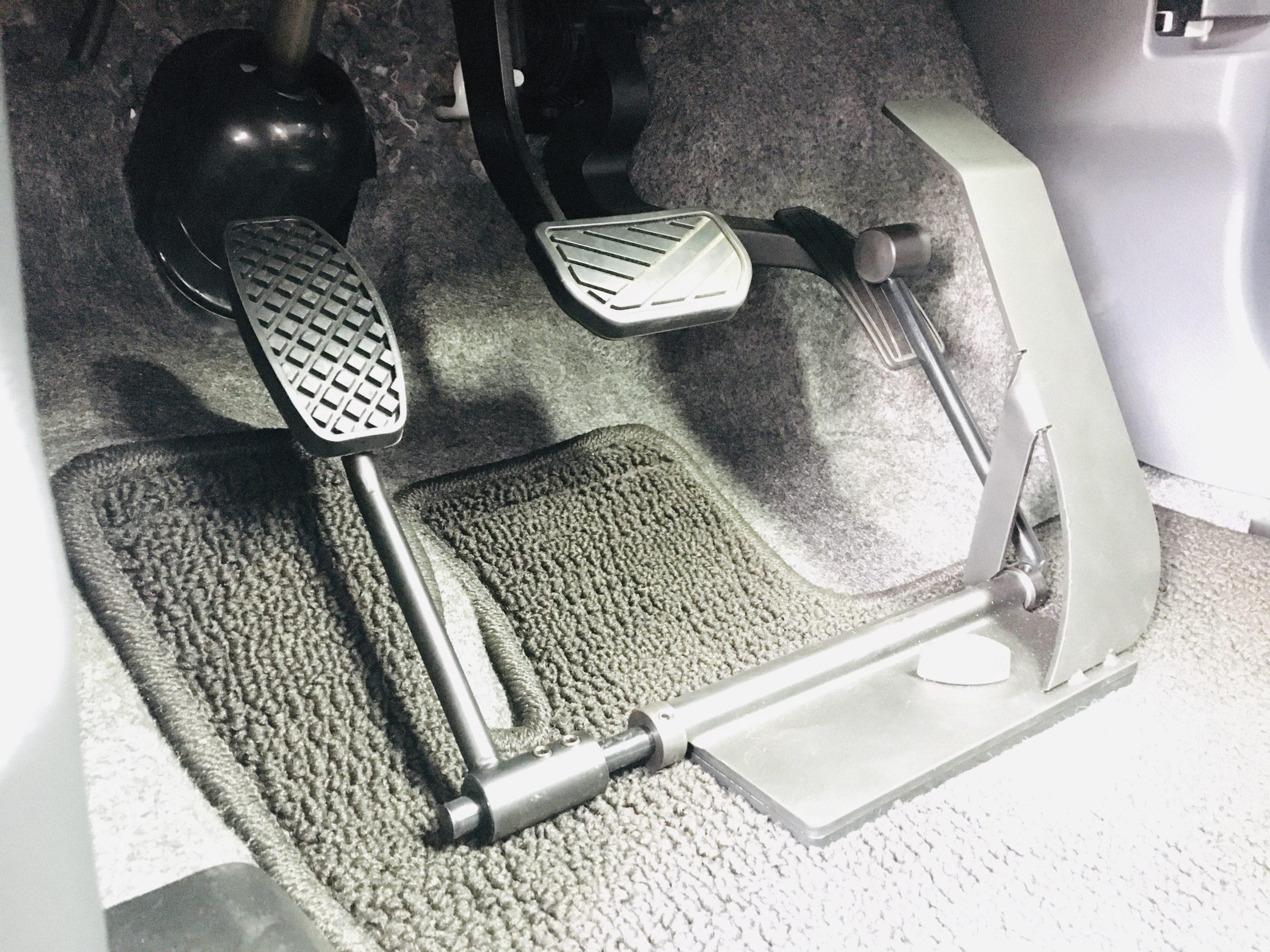 福祉車両改造 スズキハスラー 左足アクセル 福祉車両への改造 ⑥