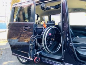 福祉車両改造 スズキ ソリオバンデット 車いす収納装置 ④
