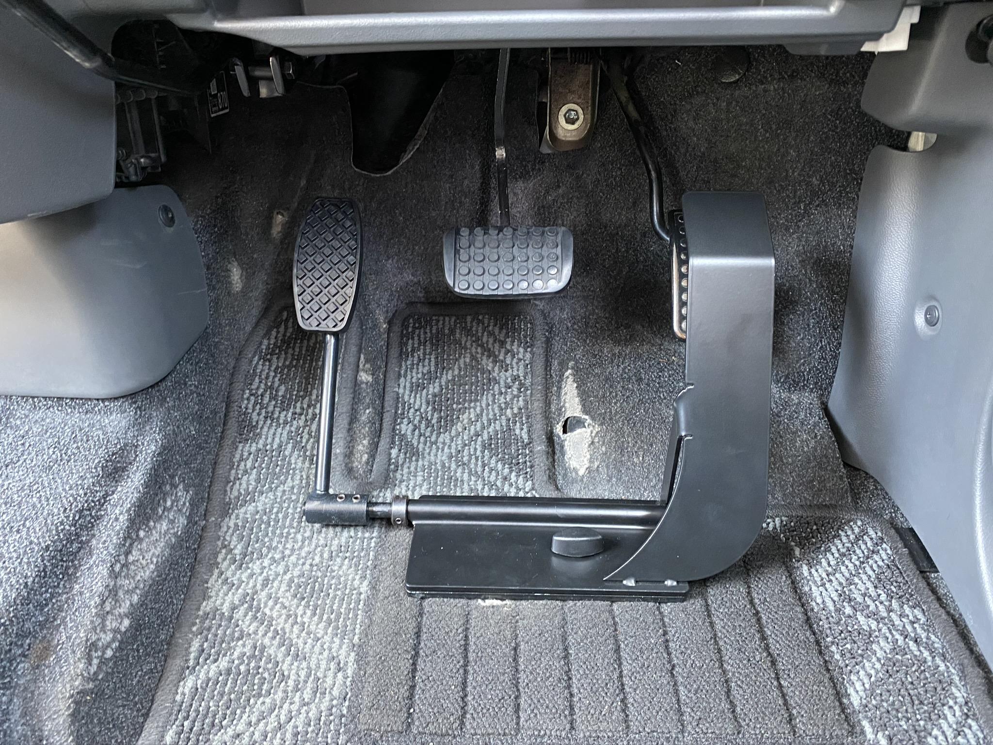 福祉車両改造 ダイハツ タント 左足アクセル 福祉車両への改造 ⑥