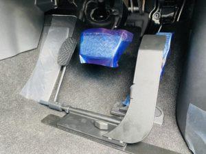 福祉車両改造 トヨタ RAV4 左足アクセル 福祉車両への改造 ⑥
