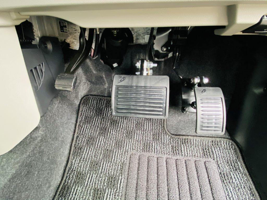 福祉車両改造 ダイハツ ムーブ ペダルかさ上げ 福祉車両への改造 ⑤