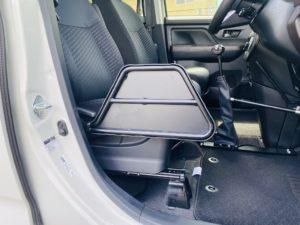 福祉車両改造 トヨタ ルーミー 手動運転装置 移乗補助シート 車いす収納装置 ⑥